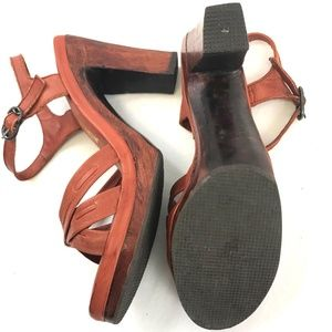 Vintage Shoes - Vintage 1970's Connie's Platform Sandals Wood Heel